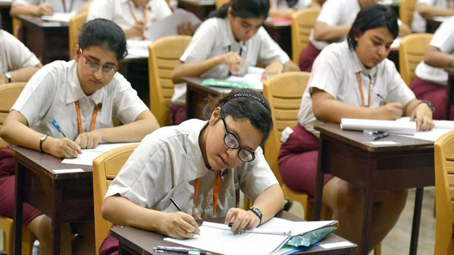 SSLC,  പ്ലസ് ടു പരീക്ഷതീയതികള് നീട്ടാന് അനുമതി തേടി സര്ക്കാര്
