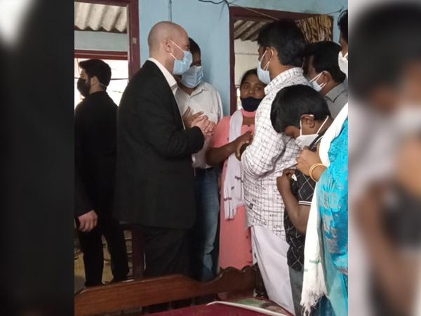 ഇസ്രായേലി നയതന്ത്രപ്രതിനിധി ഇടുക്കിയിലെത്തി സൗമ്യയുടെ കുടുംബത്തെ ആശ്വസിപ്പിച്ചു
